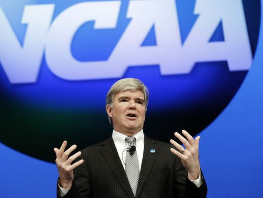 ap-ncaa-convention-emmert-4_3